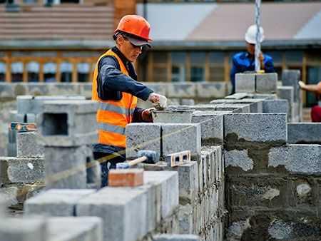 Борис Дубровский поручил властям Миасса любой ценой достроить проблемные дома