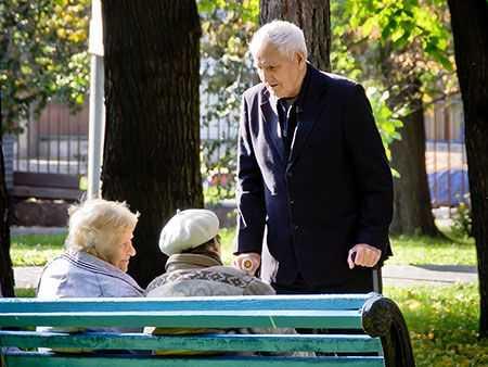 Южноуральские пожилые люди получат майские выплаты преждевременно