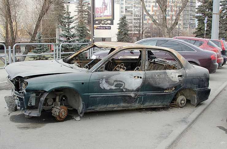 ВЧелябинске принято положение обэвакуации брошенных авто