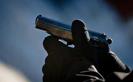 ВЧелябинске ищут убийцу, выстрелившего изпистолета в 2-х мужчин