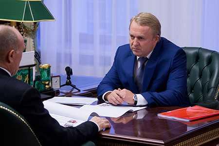 Борис Дубровский обсудил актуальные направления деятельности областной Общественной палаты сОлегом Дубровиным