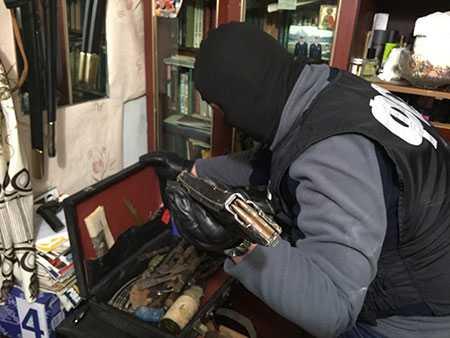 ВЧелябинской области разработчиков нелегального оружия осудили на 5 лет