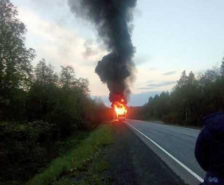 Пассажирский автобус сгорел натрассе вЧелябинской области, пострадавших нет