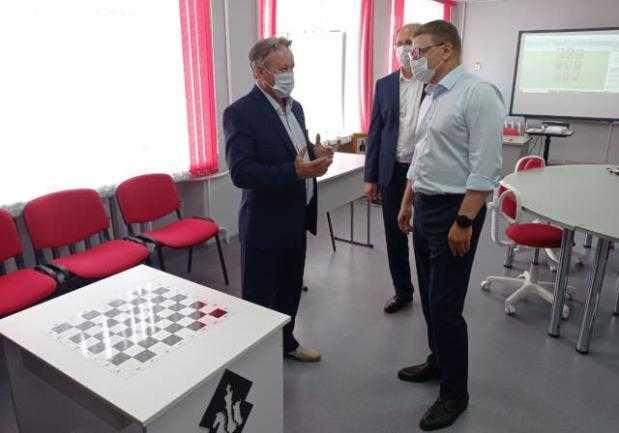 Алексей Текслер проинспектировал социальные объекты в Увельском районе