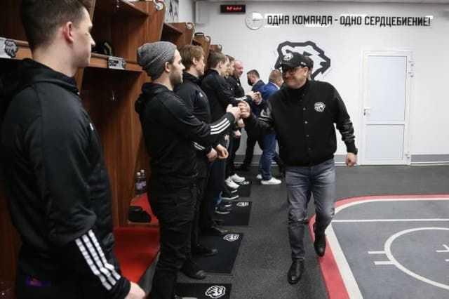 Губернатор Алексей Текслер пожелал удачи «Трактору» в плей-офф