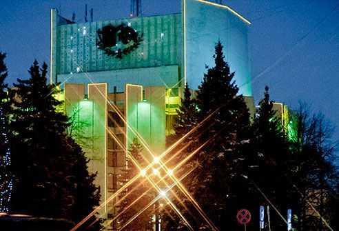 Челябинский оперный театр снабдят наравне сведущими сценами страны