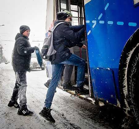 Первую инновационную остановку городского автомобильного транспорта открыли вЧелябинске