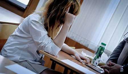 Сегодня школьники сдадут ГИА порусскому языку