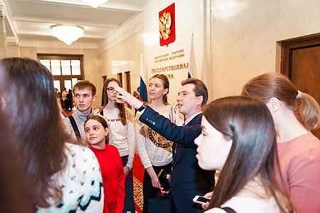 Вгостях упарламента. Челябинские школьники побывали наэкскурсии в государственной думе