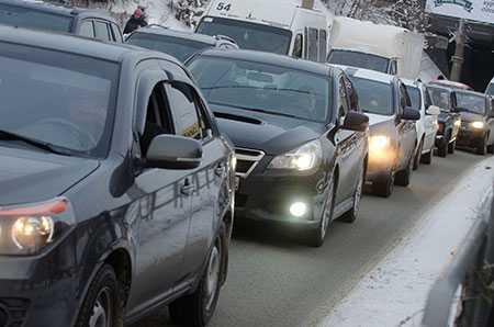 ВЕкатеринбурге натысячу жителей приходится 302 легковых автомобиля