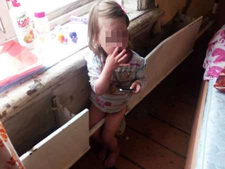 ВКыштыме двухлетняя девочка застряла ногой вбатарее