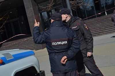 Челябинские полицейские раскрыли кражу сумочки сдорогой формой хоккеиста