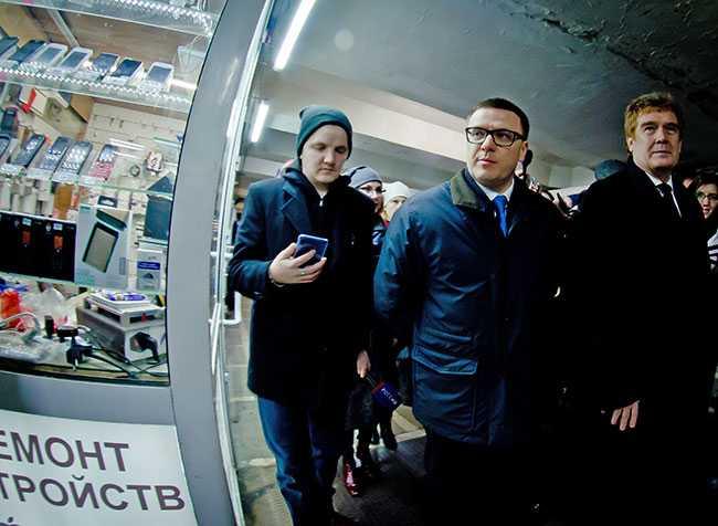 муниципальный-уровень_Шишкоедов_DSC4193_подземный-переход,-торговля,-Алексей-Текслер,-Владимир-Елистратов.jpg