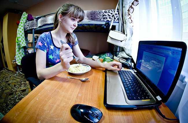 интернет_основной_Шишкоедов_DSC7747_компьютер,-ноутбук.jpg