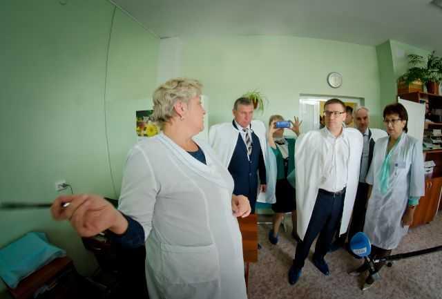 _DSC2232_Карталы, больница, главврач Ольга Губчик_Текслер и врачи.JPG