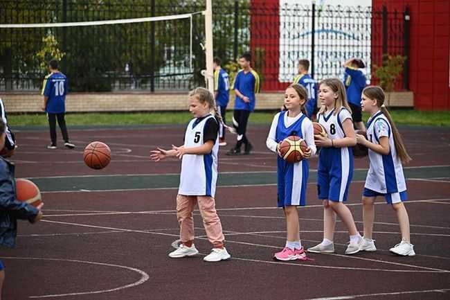 Коркино_стадион_Ковалева_241715933_юные-спортсмены_баскетбол_тренировка.jpg