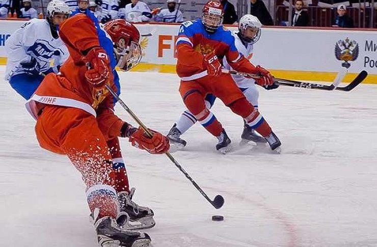 Внашем регионе хоккей популярен науровне государственной игры— Борис Дубровский