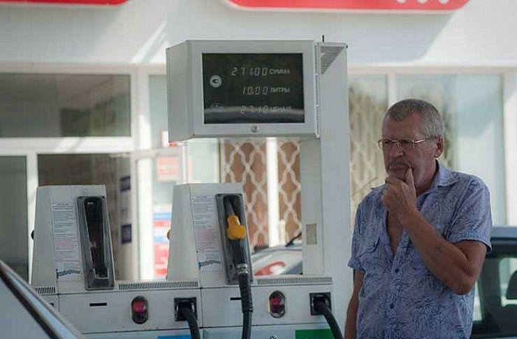 Алтайское УФАС отмечает очередное падение цен набензин