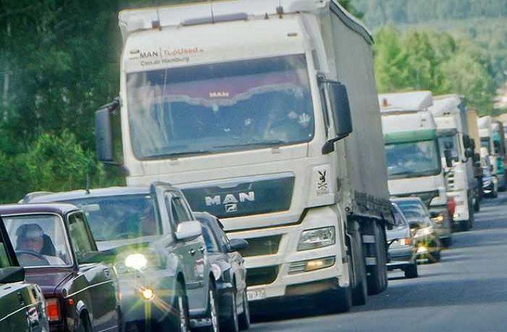 Большегрузам намесяц ограничили заезд надороги Татарстана