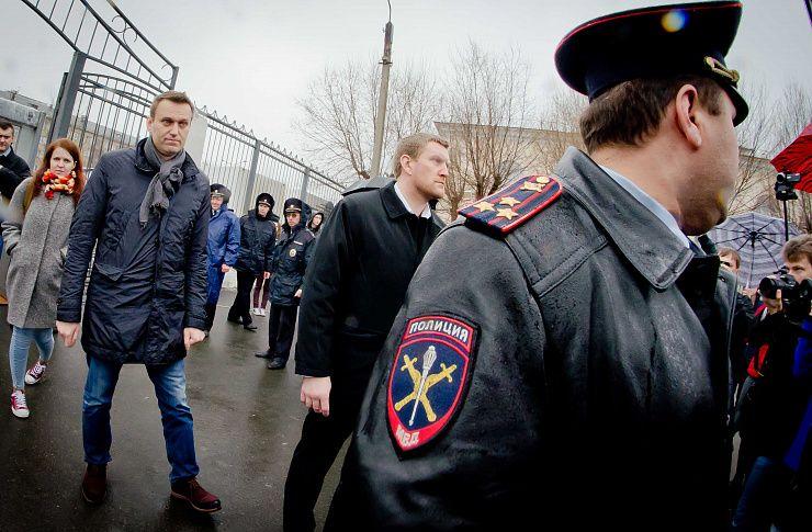 Визит Навального вЧелябинск начался сзадержаний ипротестов